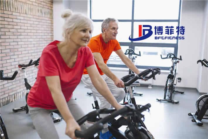 老年人健身车